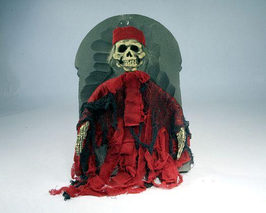 Lapida esqueleto pirata 55x37x5cm